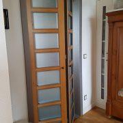 Falttür aus Erle mit Multiplex-Glasleisten vom Tischler in Hannover