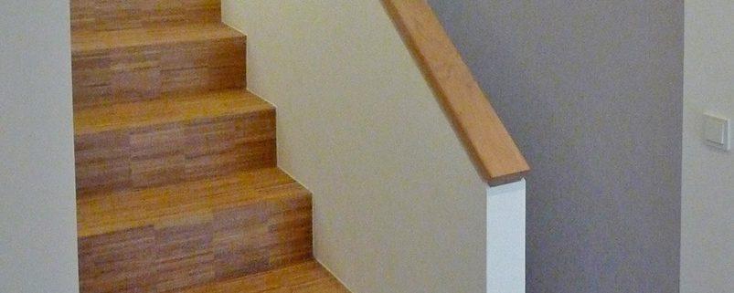 verkleidete betontreppe mit st bchen fertigparkett holz handwerk. Black Bedroom Furniture Sets. Home Design Ideas