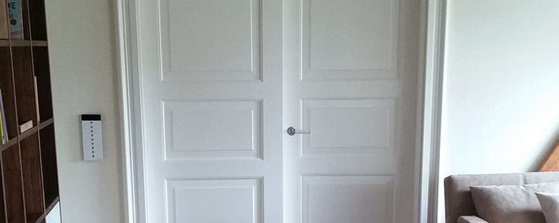 Doppelte Holztür in weiß Lack mit Kassetten