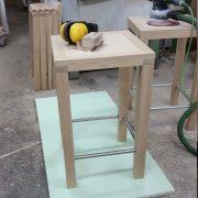 Aufnahme vom Bau des Sitzhockers bei Holz & Handwerk
