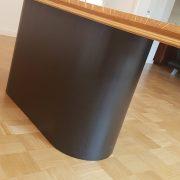 Esstischgestell aus Massivholz