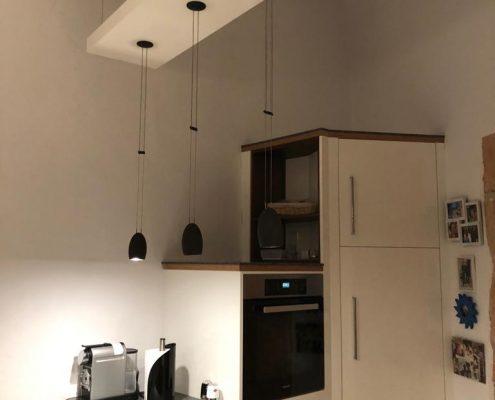 Individuelles Eckschranksystem für Kühlschrank und Kaffeebar