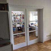 Doppelflügelige Glastür mit Sprossen