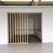 Office Box in Glas/Holz, Holzkonstruktion aus Multiplexlamellen